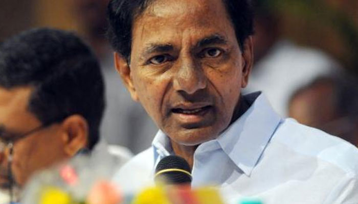 KCR seeks linking of MGNREGA with agriculture sector