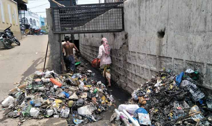 Plastic waste choking nalas in Hyderabad
