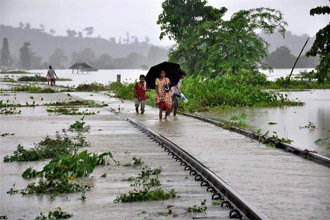 several-trains-cancelled-due-to-floods-in-north