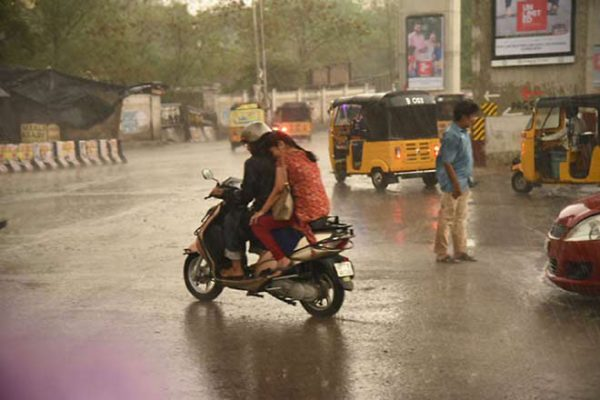 Telangana to receive heavy rain in next 24 hours: Met dept