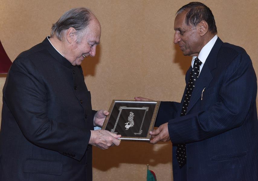 Aga Khan meets Governor ESL Narsimhan