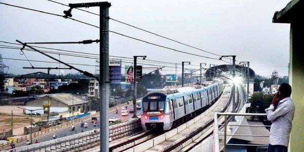 Metro services disruption for half-an-hour on Ameerpet-Miyapur route