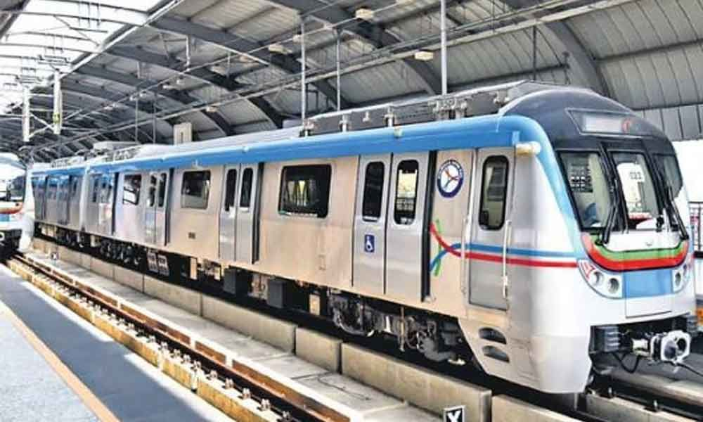 Record 3.65 lakh passengers opted Metro Rail services on Saturday