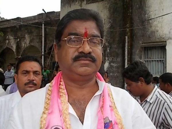 Former TRS MLA Kaveti Sammaiah resigns from the party