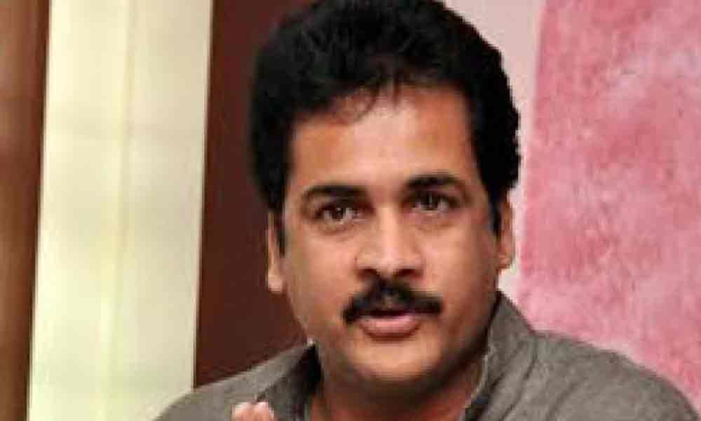 Actor Shivaji arrested from Shamshabad airport