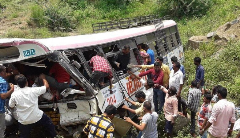 Toll in Telangana bus tragedy reaches to 61