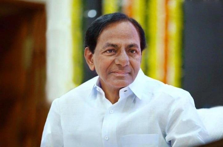 CM KCR greets people on Maha Sivarathri