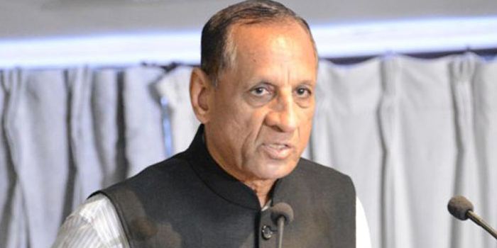 Do not commercialise education: Governor
