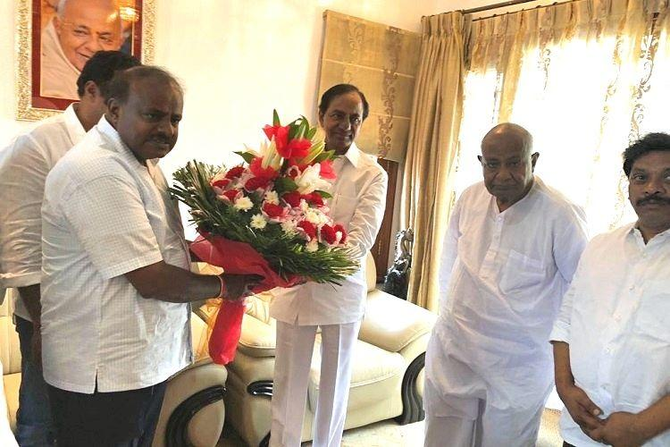 CM KCR meets Kumaraswamy in Bengaluru