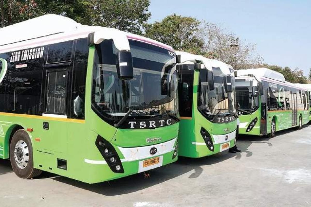 tsrtctooperate1800specialbusesforsankranti