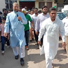 Asaduddin Owaisi interacted with representatives of the Gangaputra Sangham