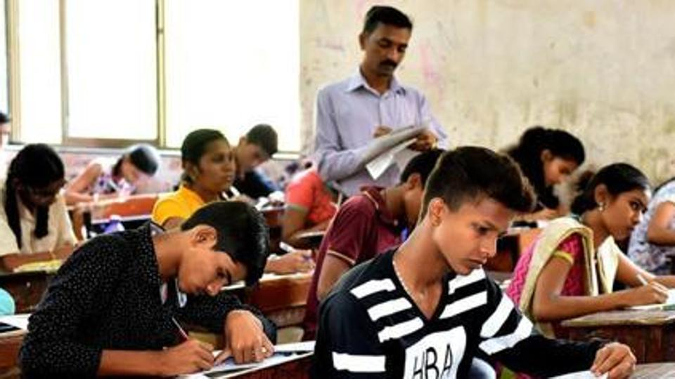 Intermediate student runs away with answer sheet in Hyderabad