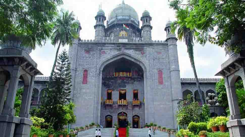 Telangana HC suggests RTC workers to stop the strike
