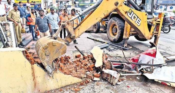 GHMC removes 66 encroachments in Kapra circle