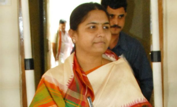 Congress leader Sunitha Laxmareddy to join TRS on April 3