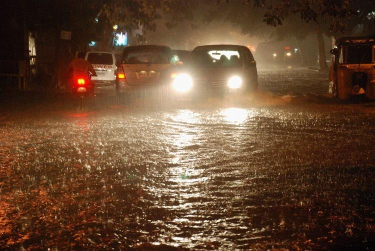 Rains throw Hyd traffic out of gear, IMD predicts thunderstorms for next two days