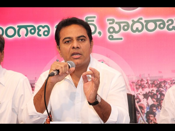 KTR directs the TRS MPs to raise issues pertaining  to the State in both Lok Sabha and Rajya Sabha