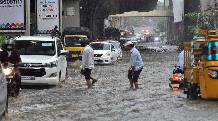 Hyderabad receives heavy rains in the early morning today