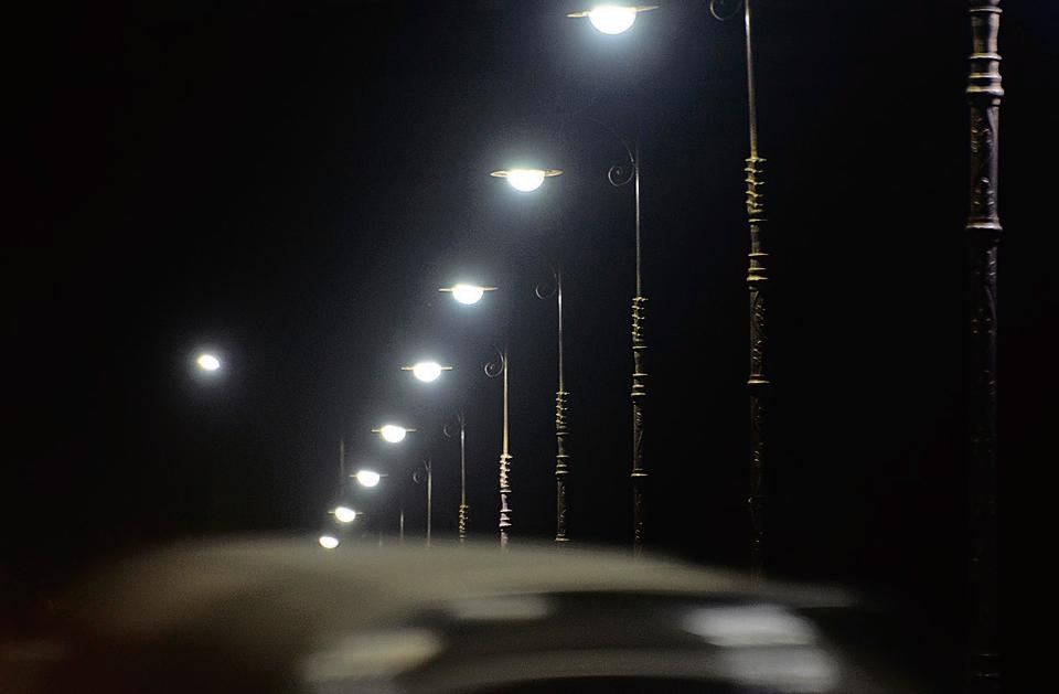 GHMC takes up drive to assess streetlights illumination across Hyderabad
