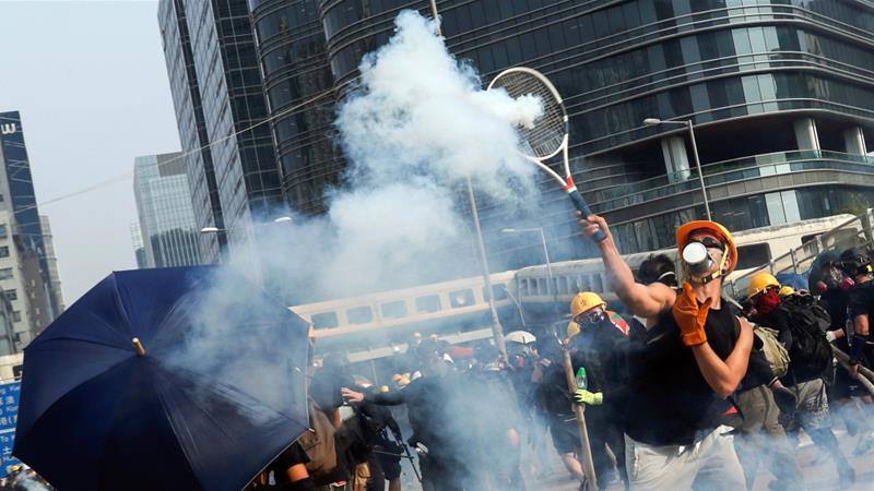 policefireteargasasprotestorsreturntostreetsinhongkong