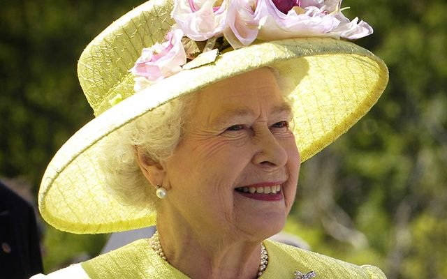 British Queen approves Brexit law that will end membership of EU