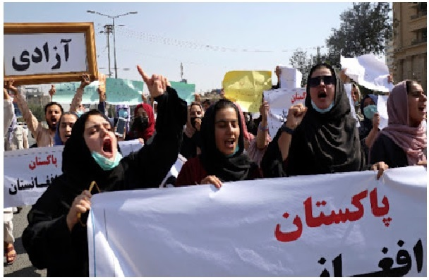 afghanprotestorsincludingwomenthrongkabulstreetschantingdeathtopakistan
