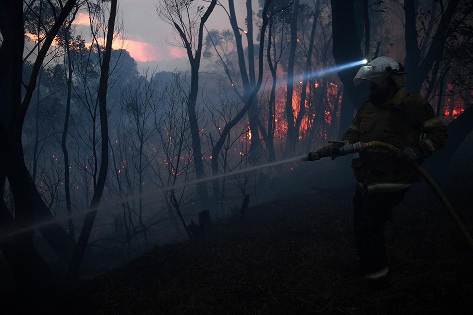 onedeadatleast100homeslostinaustraliabushfires