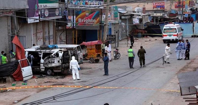 Pakistan: Suicide bombing kills 6 in Lahore