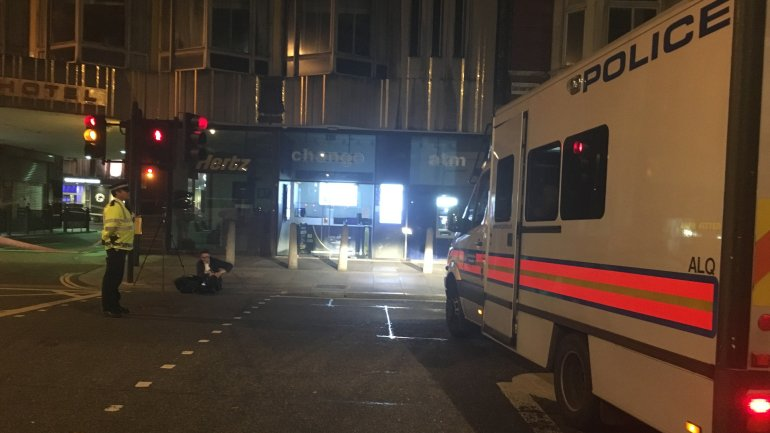 One killed, 5 injured in London knife attack