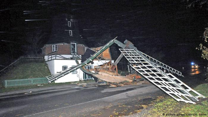 Powerful storms kill five in Germany, Poland