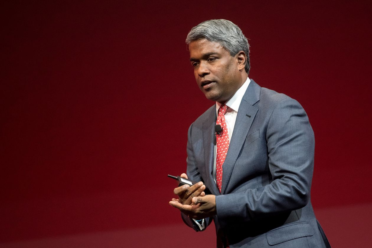 Top Oracle Software Executive to Take Extended Leave