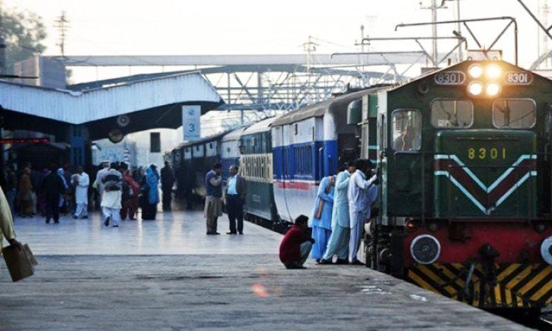 Pakistan closes Samjhauta Express train service with India