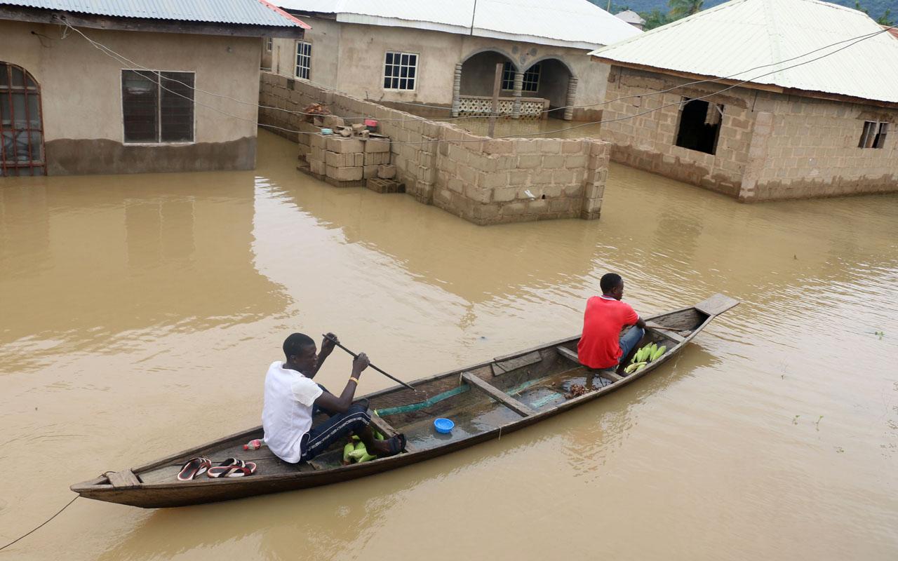 100 die in severe flooding in Nigeria