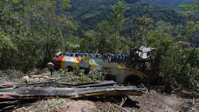 Bolivia crash: Bus plunges into ravine killing 25