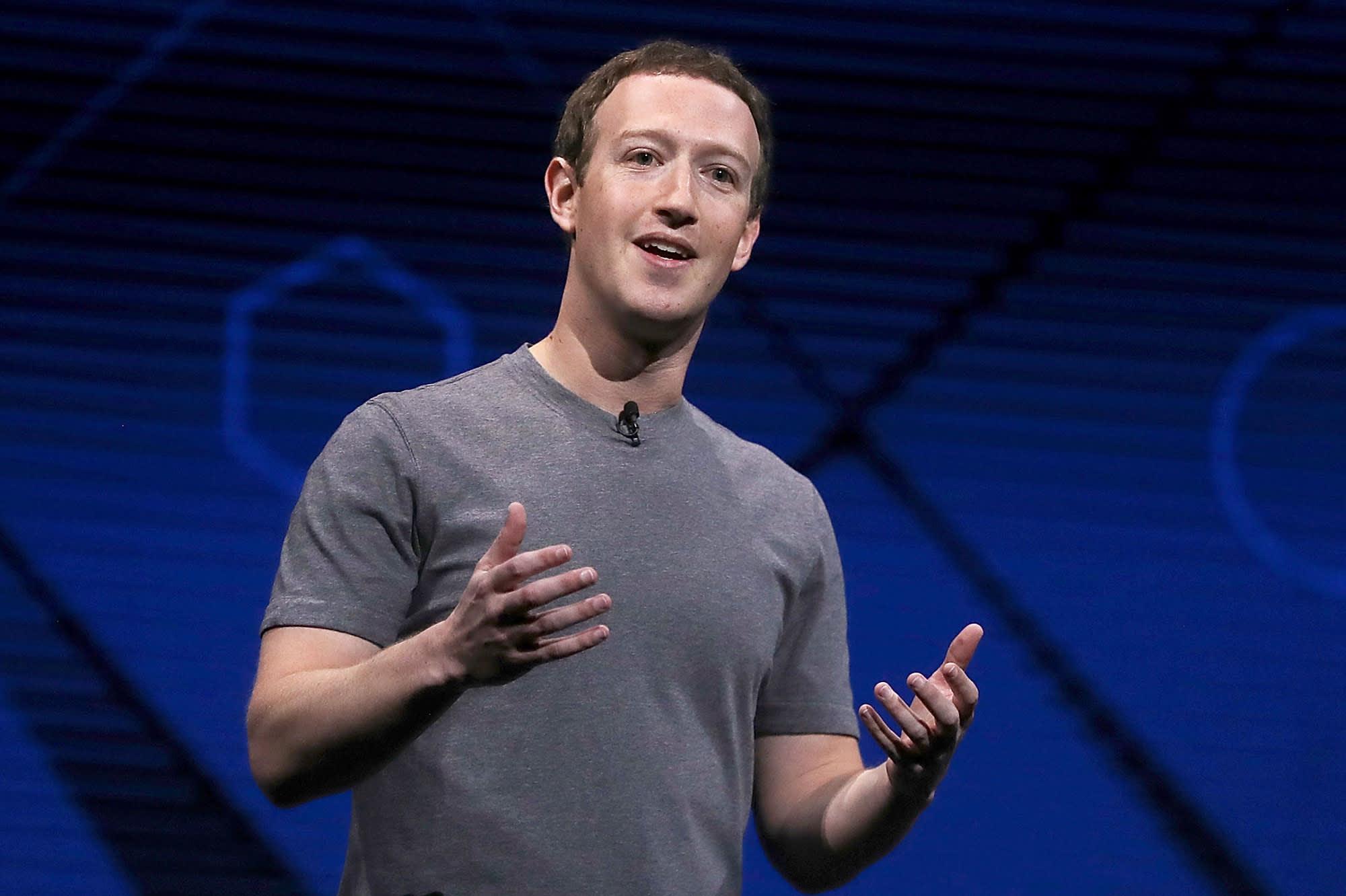zuckerbergdefendswhatsappprivacypolicy
