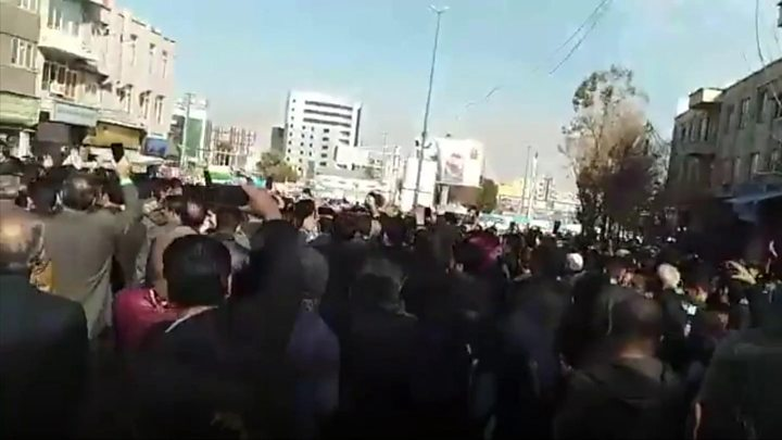 Anti-govt protests continue in several cities of Iran