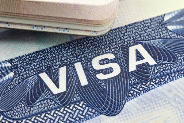 China temporarily suspends visas for foreigners