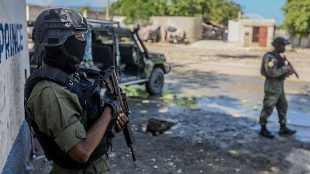 At least 17 American Christian missionaries and their families kidnapped in Haiti