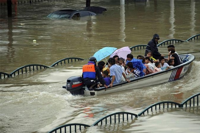 19 killed in landslides and heavy rains in China