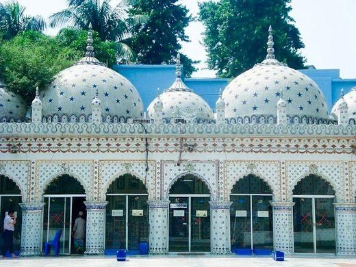 bangladeshdecidestoreopenmosquesforpublicprayersfromtoday