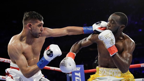 Khan's bid to take WBO welterweight belt halted after Crawford low blow