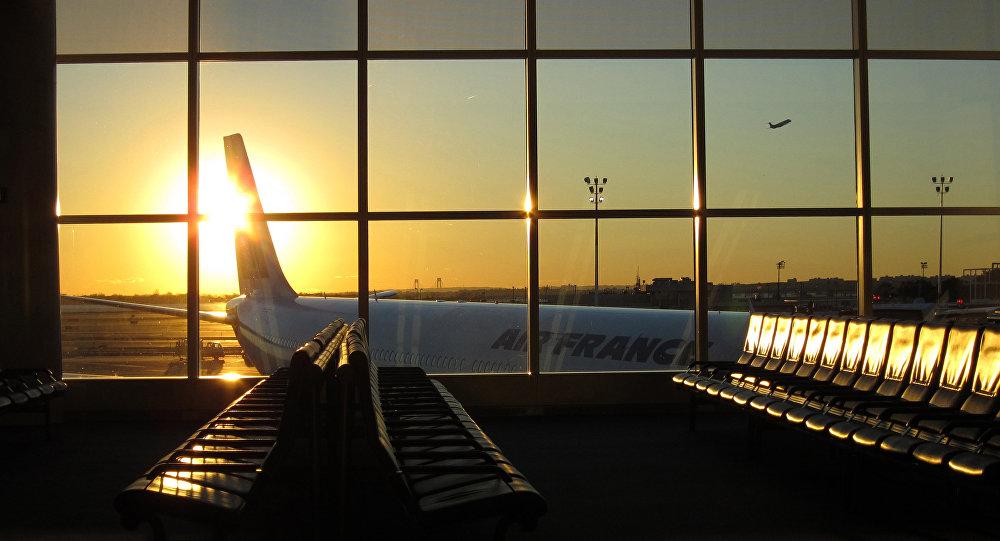 Air France Boeing-777 Makes an Emergency Landing in Irkutsk, Russia due to Smoke
