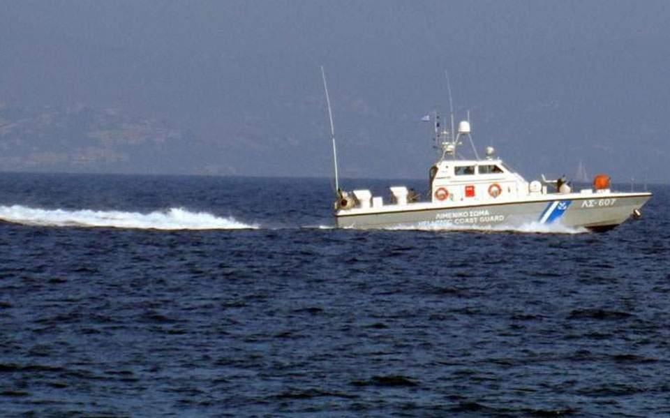 greece:threemigrantsdead56savedafterboatsinksoffcrete