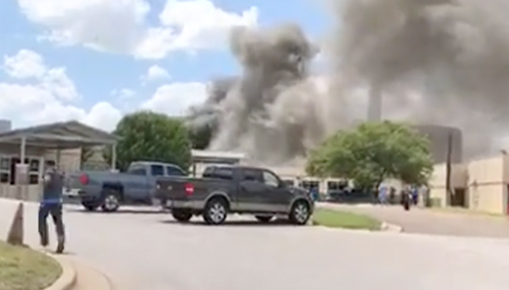 One killed in explosion at Texas hospital in US