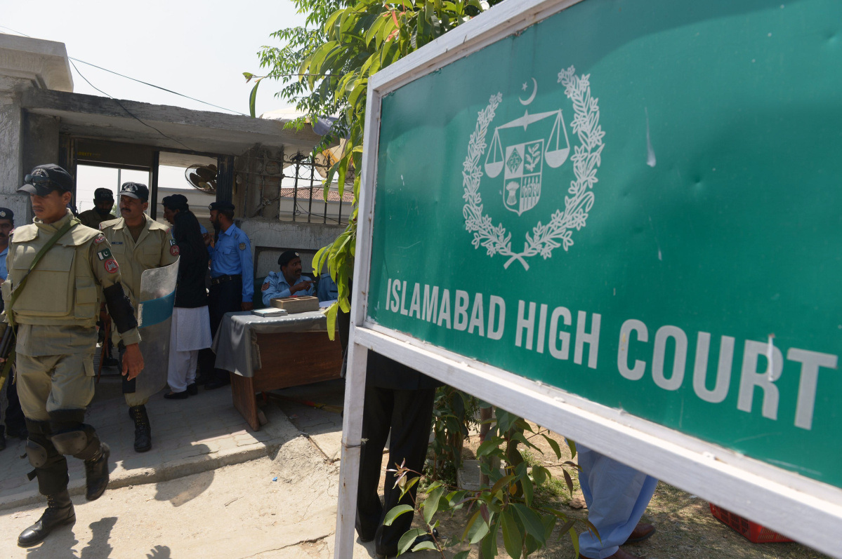 Indian diplomat caught taking photos inside Islamabad High court, apologises
