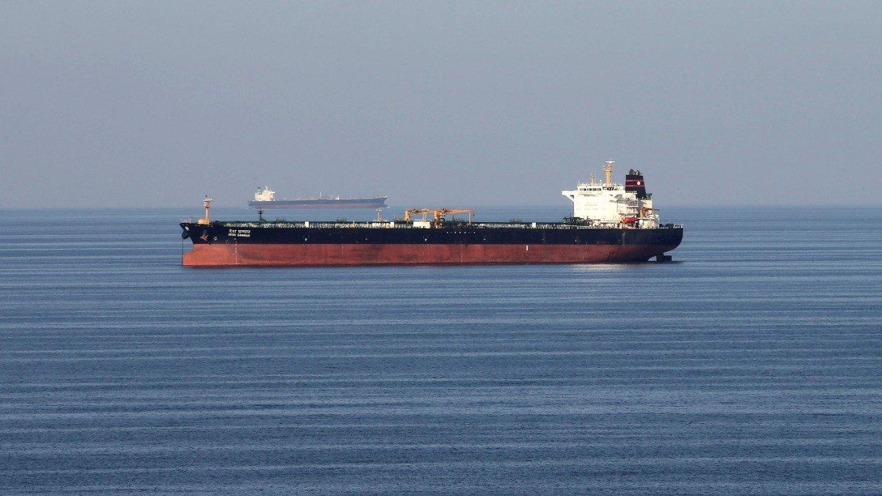 Iran bypasses Hormuz Strait to export crude oil