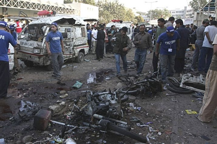 2 killed, 8 injured in bomb blast in Karachi, Pakistan