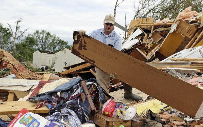 Powerful storms, tornadoes sweep across southern US