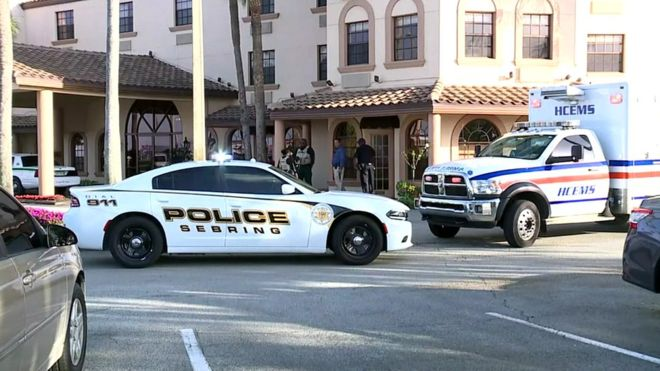 Gunman kills five people in bank in Florida