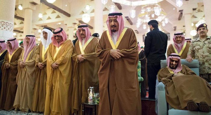 King Salman attends funeral prayer of Prince Turki